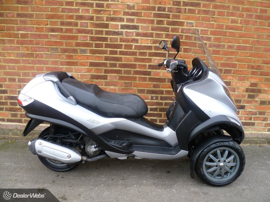piaggio mp3 250 for sale in west molesey surrey. Black Bedroom Furniture Sets. Home Design Ideas