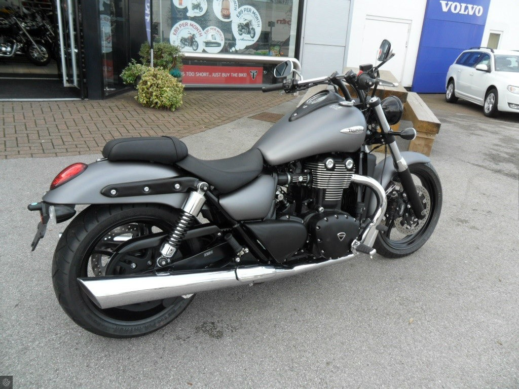 triumph thunderbird 1700 for sale in chesterfield derbyshire. Black Bedroom Furniture Sets. Home Design Ideas