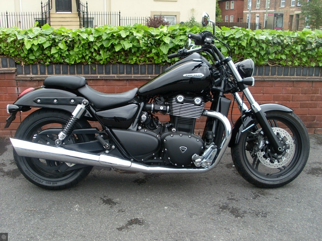triumph thunderbird 1700 for sale in cheltenham gloucestershire. Black Bedroom Furniture Sets. Home Design Ideas