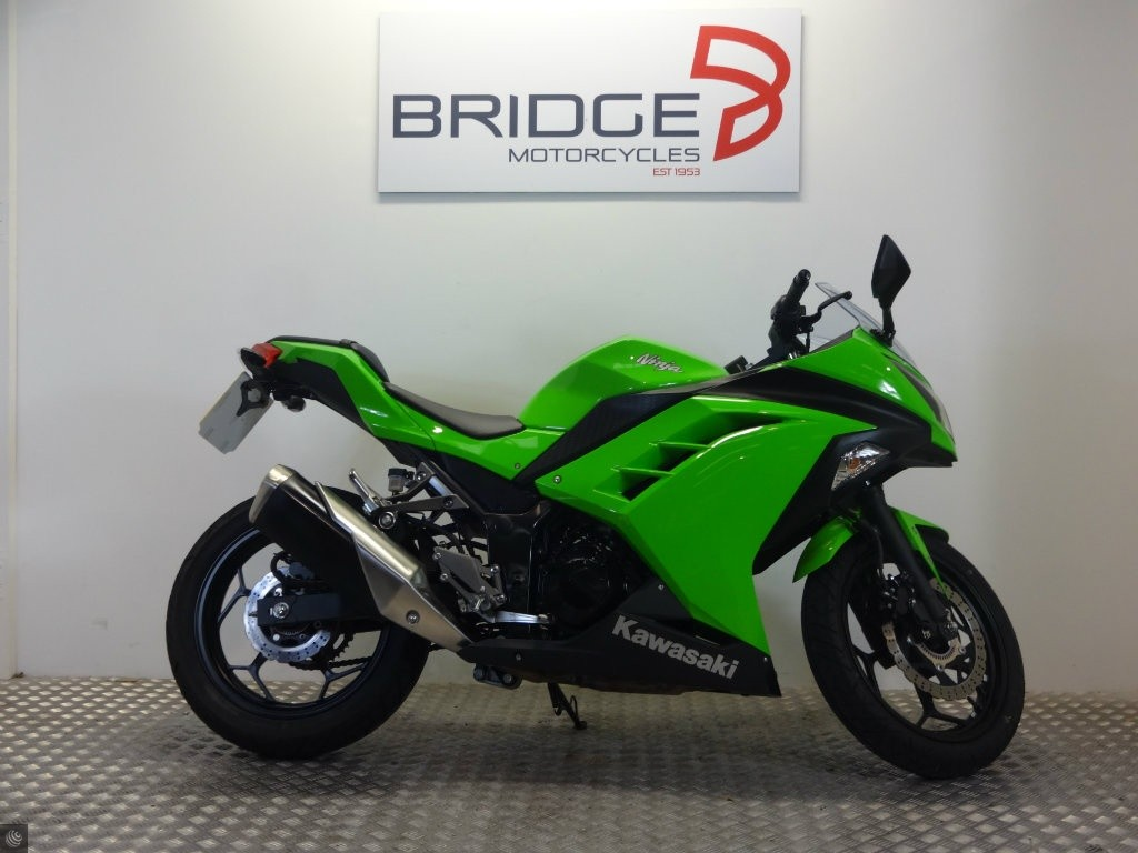 kawasaki ninja 300 for sale in exeter devon. Black Bedroom Furniture Sets. Home Design Ideas