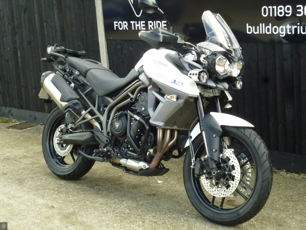 triumph tiger 800 xrt for sale in wokingham berkshire. Black Bedroom Furniture Sets. Home Design Ideas